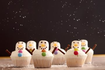 Coconut Snowman Cupcakes